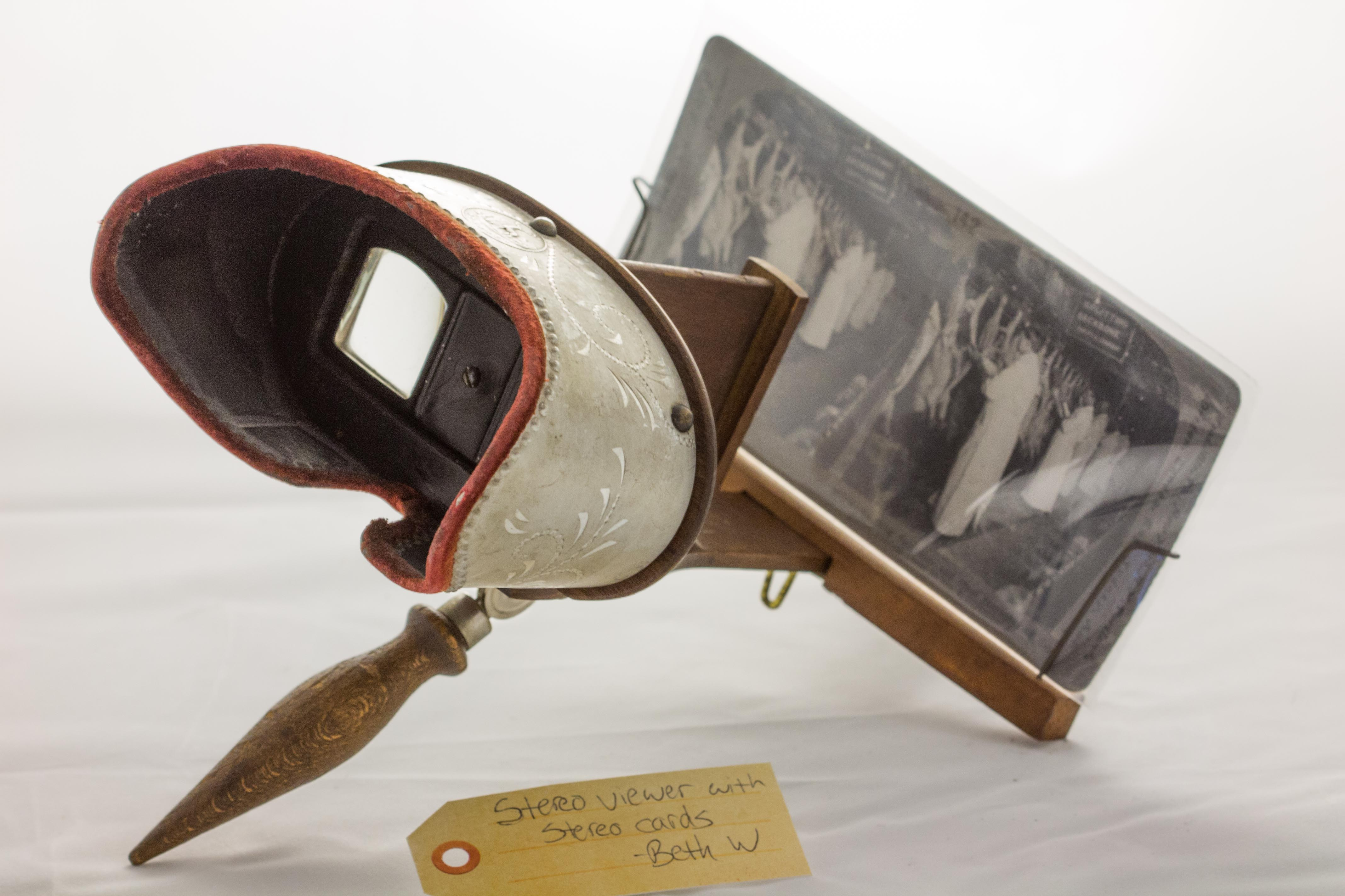 stereo viewer with stereo cards